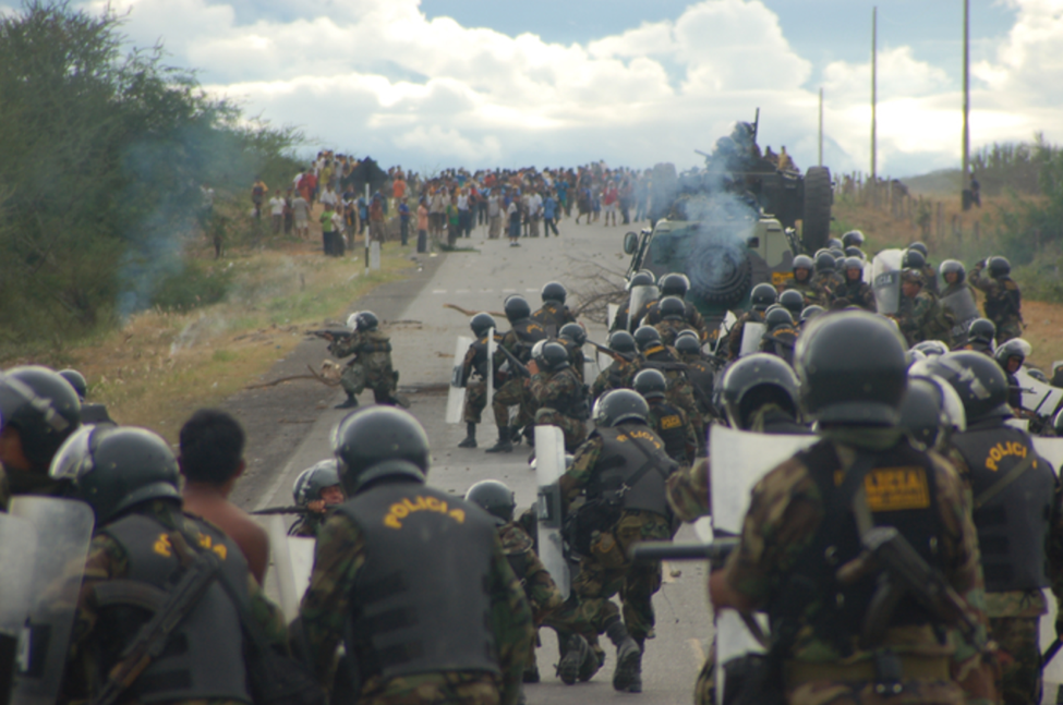 Military responds to mining protest in Peru